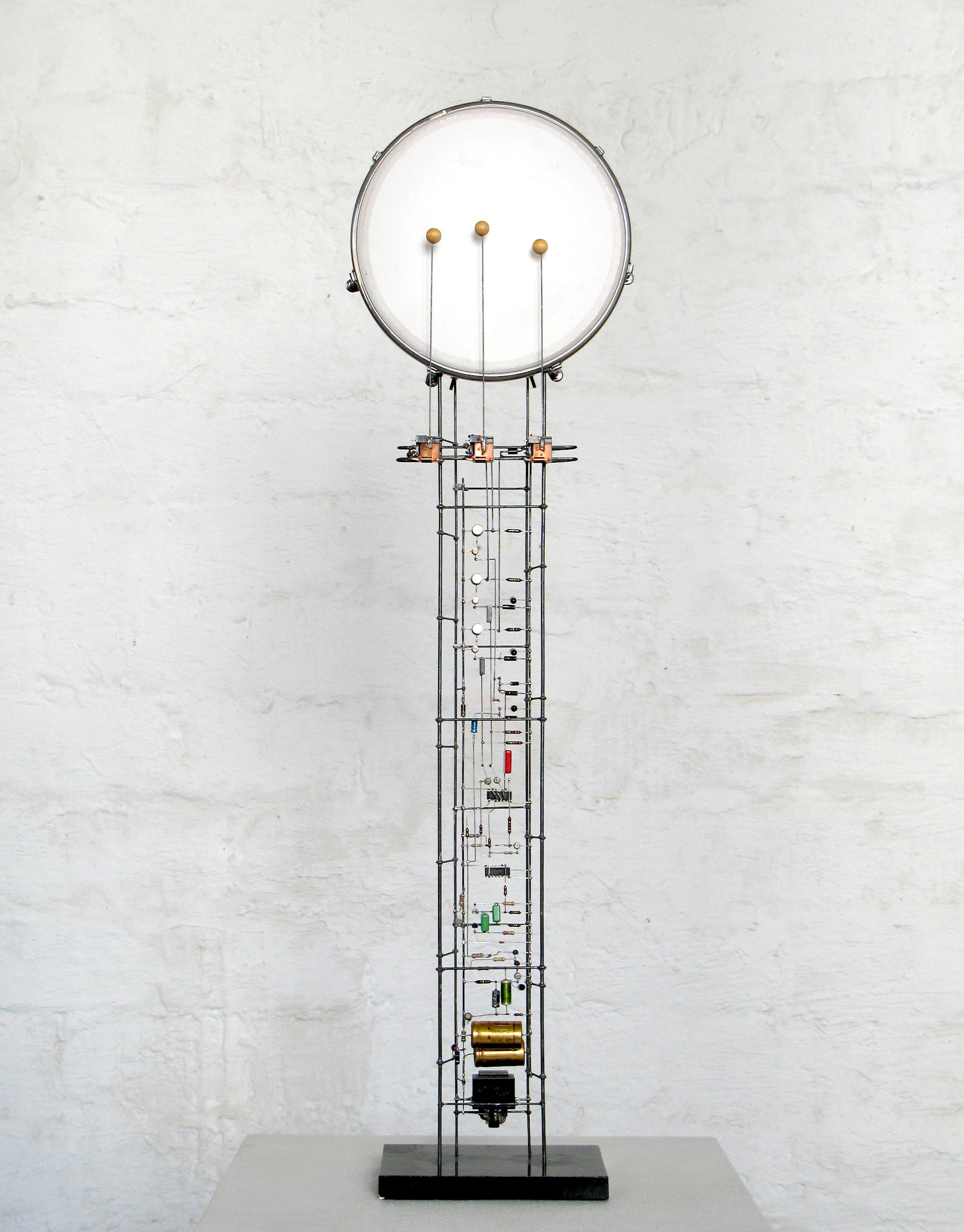Peter Vogel, Tambourin, 1 Phz., 3 Klöppel, h: 84 cm, 2000