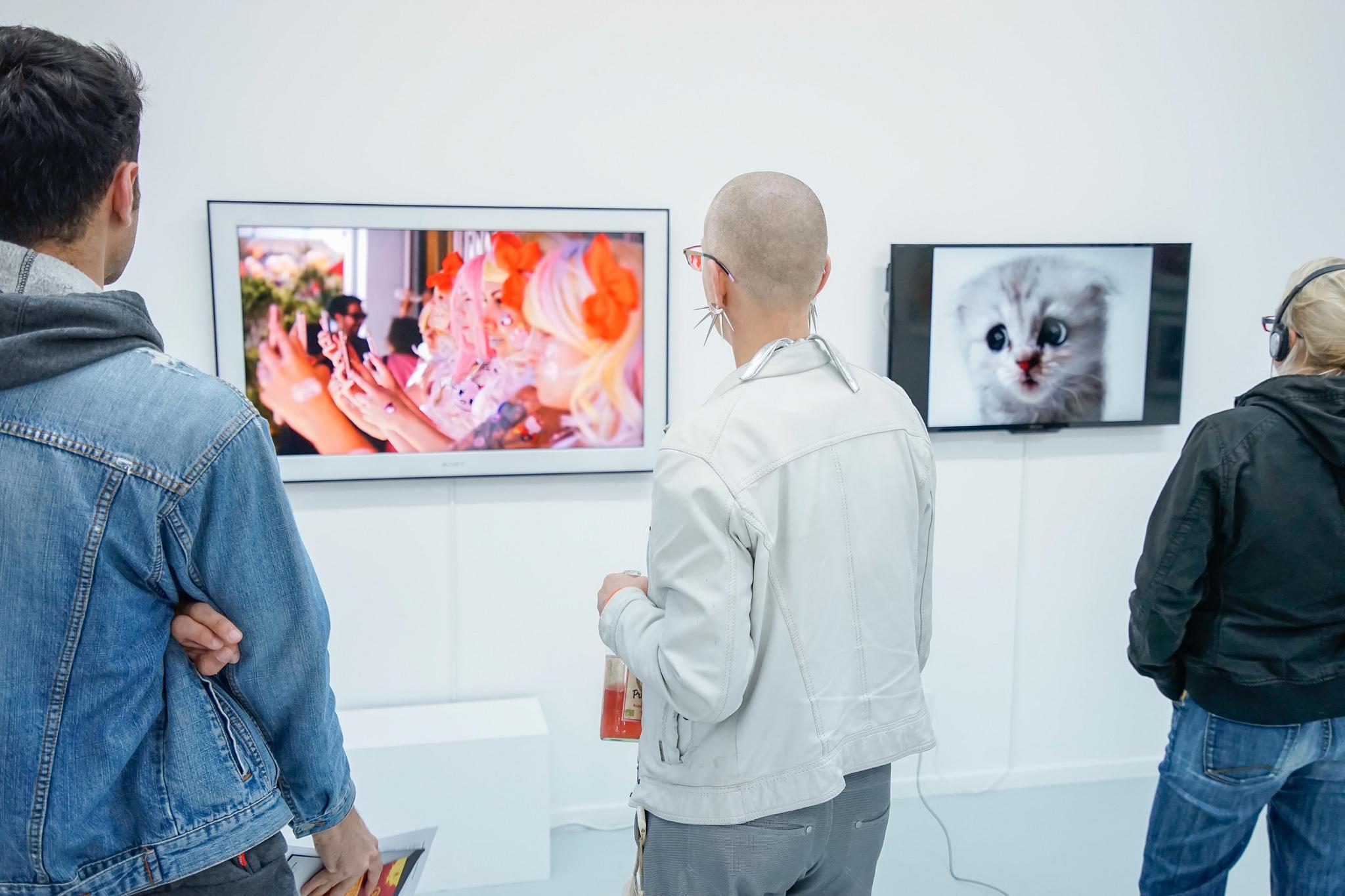 Porn to Pizza, Gruppenausstellung, kuratiert von Tina Sauerländer, 2015, Preview