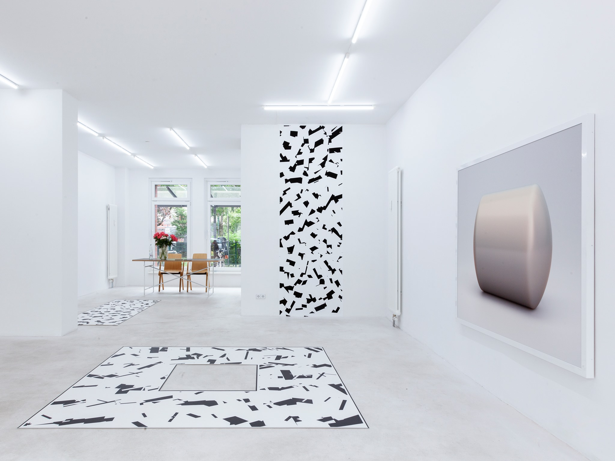 Banz & Bowinkel, Cylinder and Bots, Installation view
