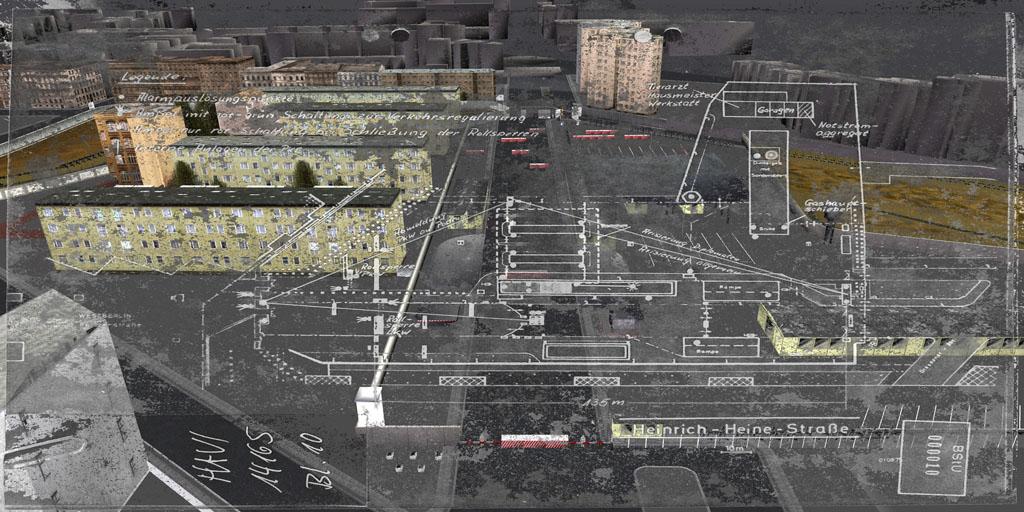 Tamiko Thiel, ReVisioning the Virtual Wall: Border Crossing Heinrich Heine Strasse, Aerial view, Giclee-Druck, 140 x 70 cm auf Hahnemühle Baryta Papier, montiert auf Alu-Dibond, 2009